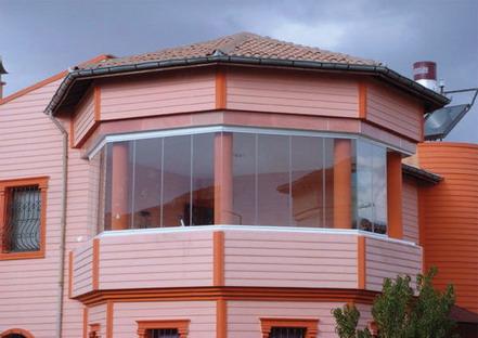 katlanır özellikte cam balkon çeşidi